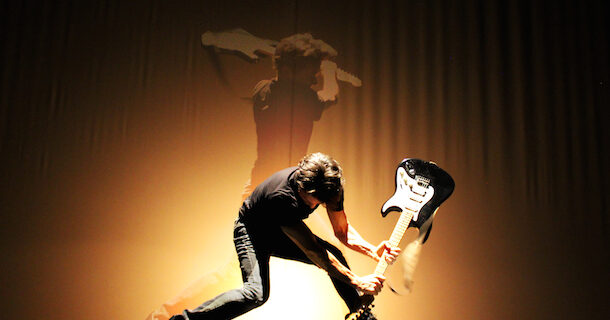«Boom X» de Rick Miller au Diamant dans le cadre du Carrefour international de théâtre