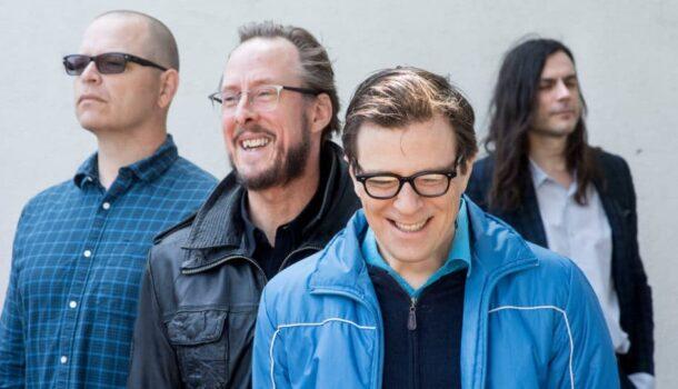 «L'épopée musicale de…» Weezer, en noir et blanc (et en couleurs)