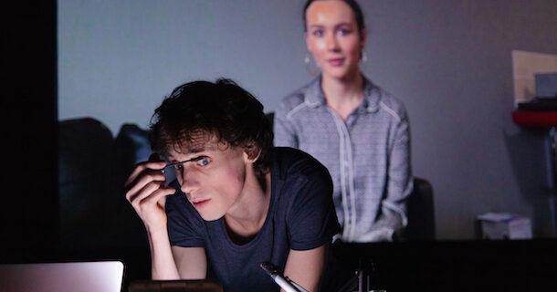 «Live Stream Arielle F» de Simon Senn en spectacle virtuel lors du Carrefour international de théâtre