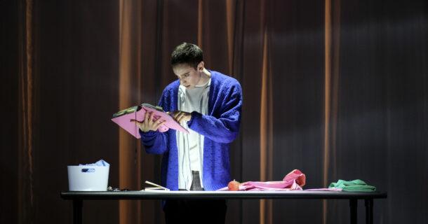 «Embrasse» de Michel Marc Bouchard, dans une mise en scène d'Eda Holmes au TNM